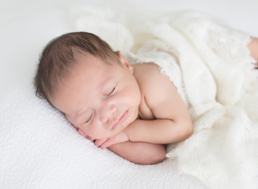 Early Newborn Photography by TGP